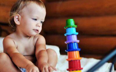 Favoriser la croissance de votre bébé grâce aux jouets