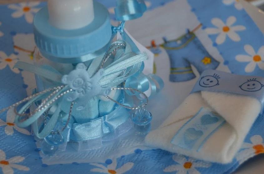 Les meilleures idées de cadeaux originales à offrir à son bébé